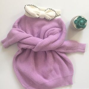 Vintage knit sweater with bow neck accent
